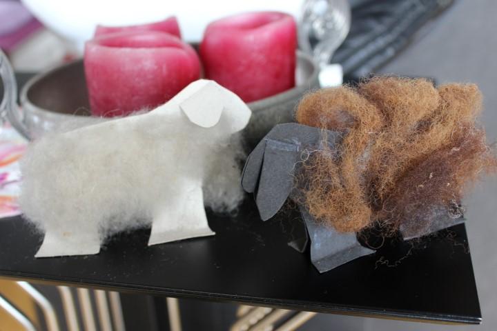 Osterlämmchen aus Papier und Wolle selber machen Hand im Glück