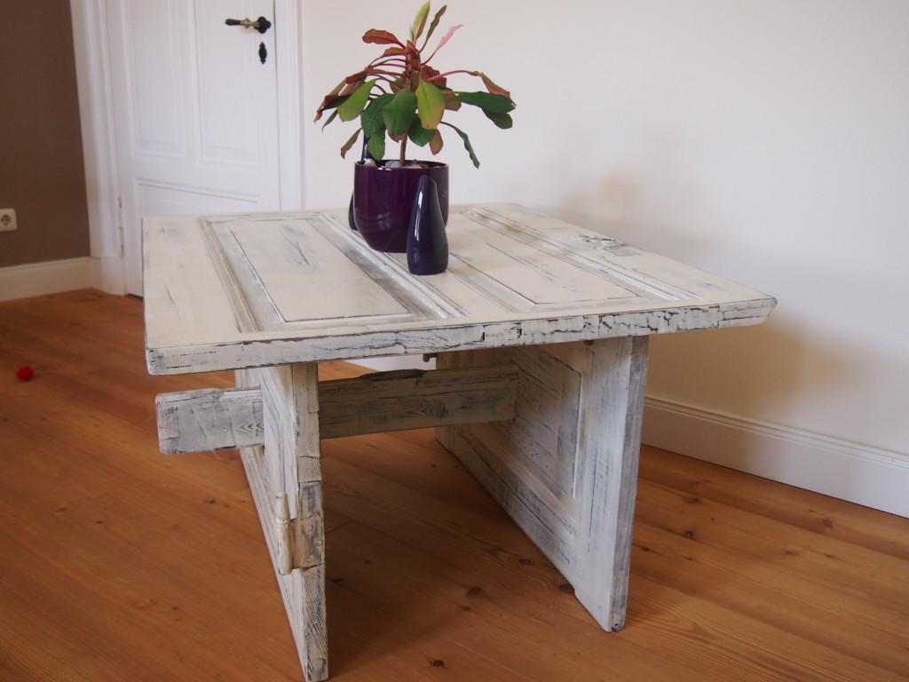 Tisch aus alter Tür machen
