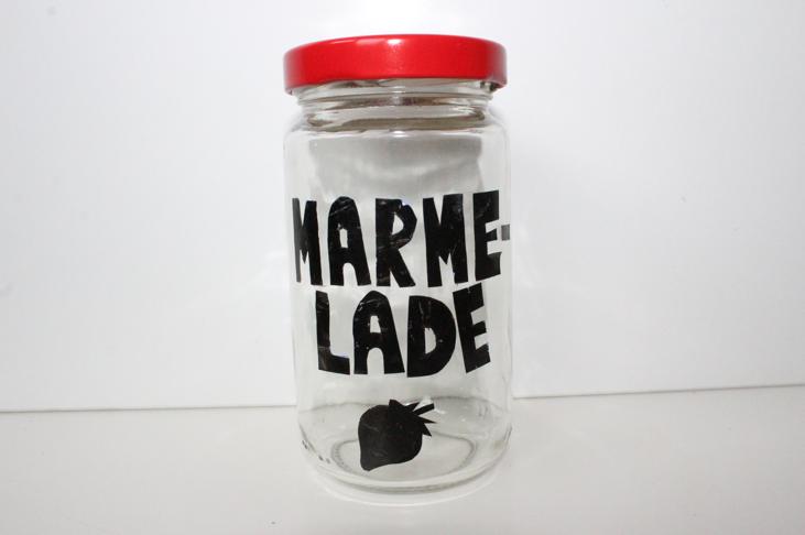 hand-im-glueck.de Hand im Glück DIY Upcycling Marmeladenglas mit Aufkleber bekleben
