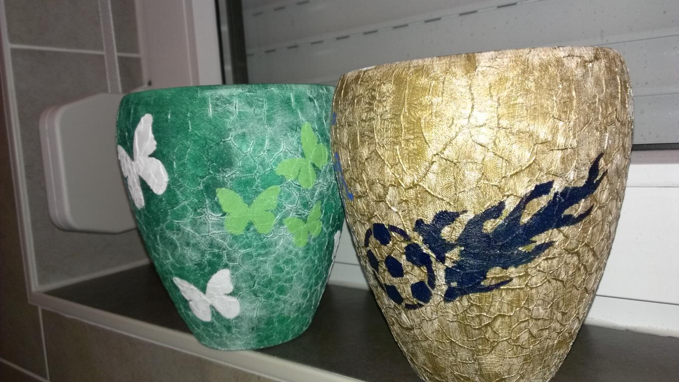 Blumentöpfe selber gestalten mit Acrylfarben
