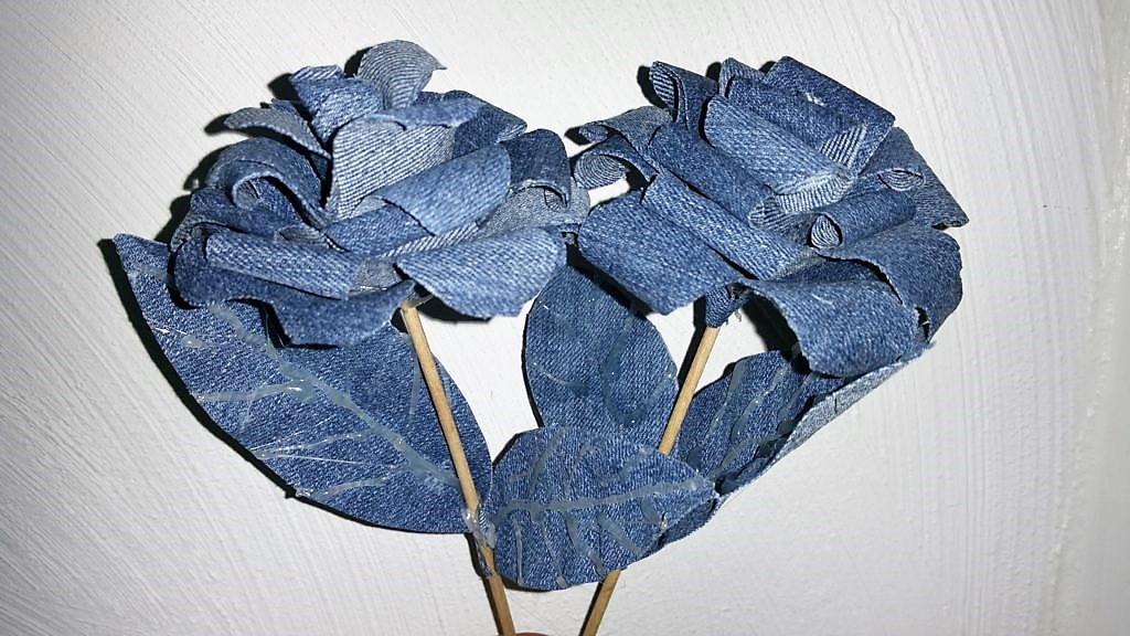 Rosen aus Jeansstoff DIY