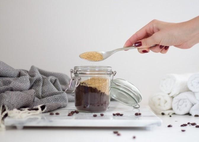 Rohrzucker DIY Kaffee Peeling by Linda loves bei Hand im Glück