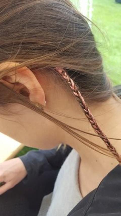 Federn in die Haare flechten (1)