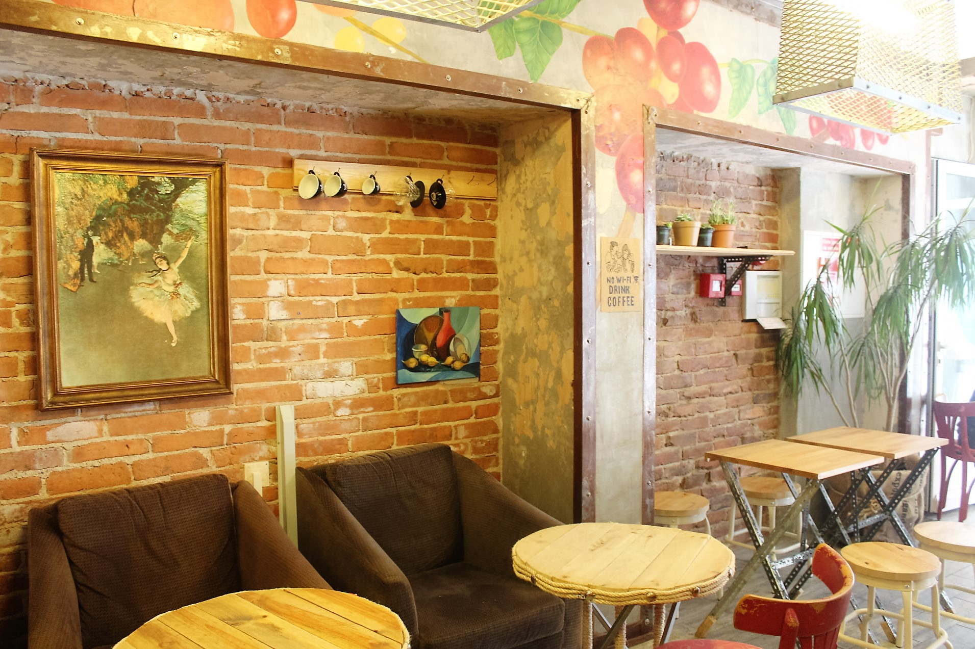 DIY Café alle Möbel selbst gemacht