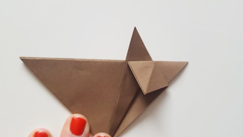 Origami Fuchs Schritt 9b Hand im Glück