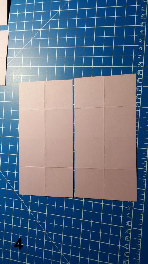 Uhrkarte Schritt 4 Papier an den Außenseiten 4 cm falten Hand im Glück