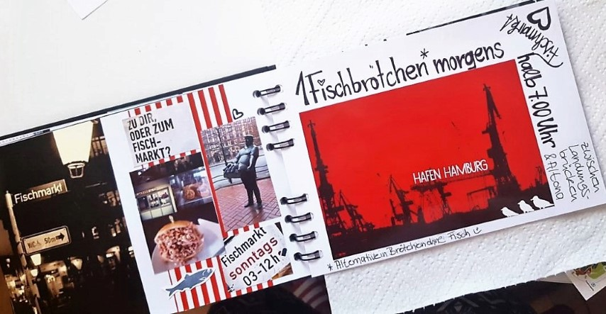 Gutscheinbuch Einmal durch Hamburg Fischmarktseite Nahaufnahme Hand im Glück