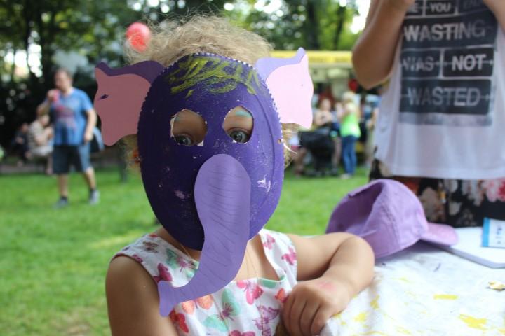 Maske aus Pappteller Elefant Kinderfest Hamm Hand im Glück