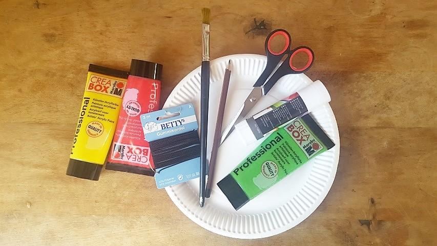 Maske-aus-Pappteller-Katze-Materialien-Hand-im-Glück