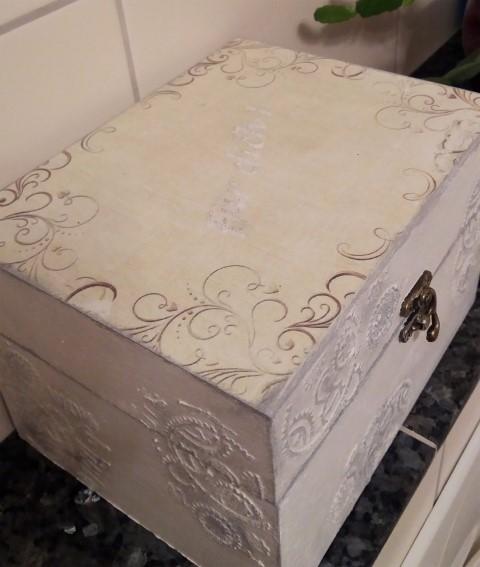 Vintage Box DIY Hand im Glück