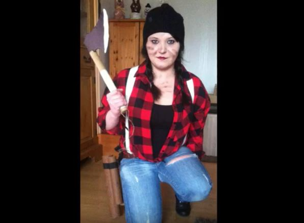 Karnevalskostüm Holzfällerin Hand im Glück