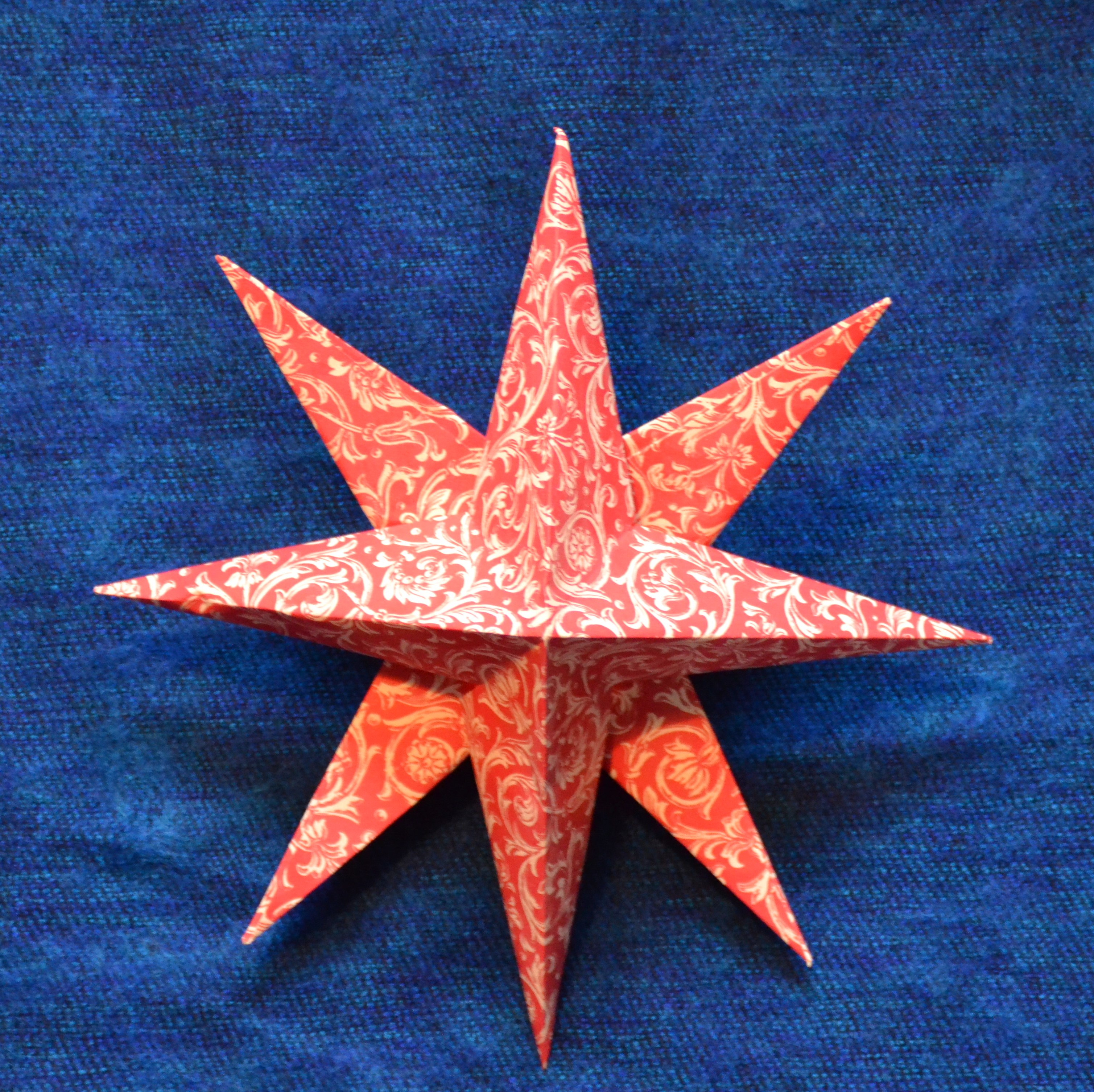 DIY Weihnachtsdeko - Papierstern falten