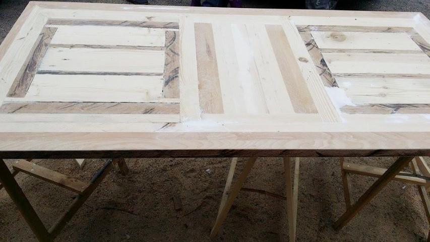 Tischplatte selbstgemacht aus Restholz_Hand_im_Glück (3) (Small)