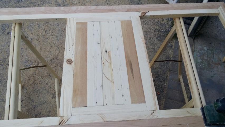 Tischplatte selbstgemacht aus Restholz_Hand_im_Glück (6) (Small)