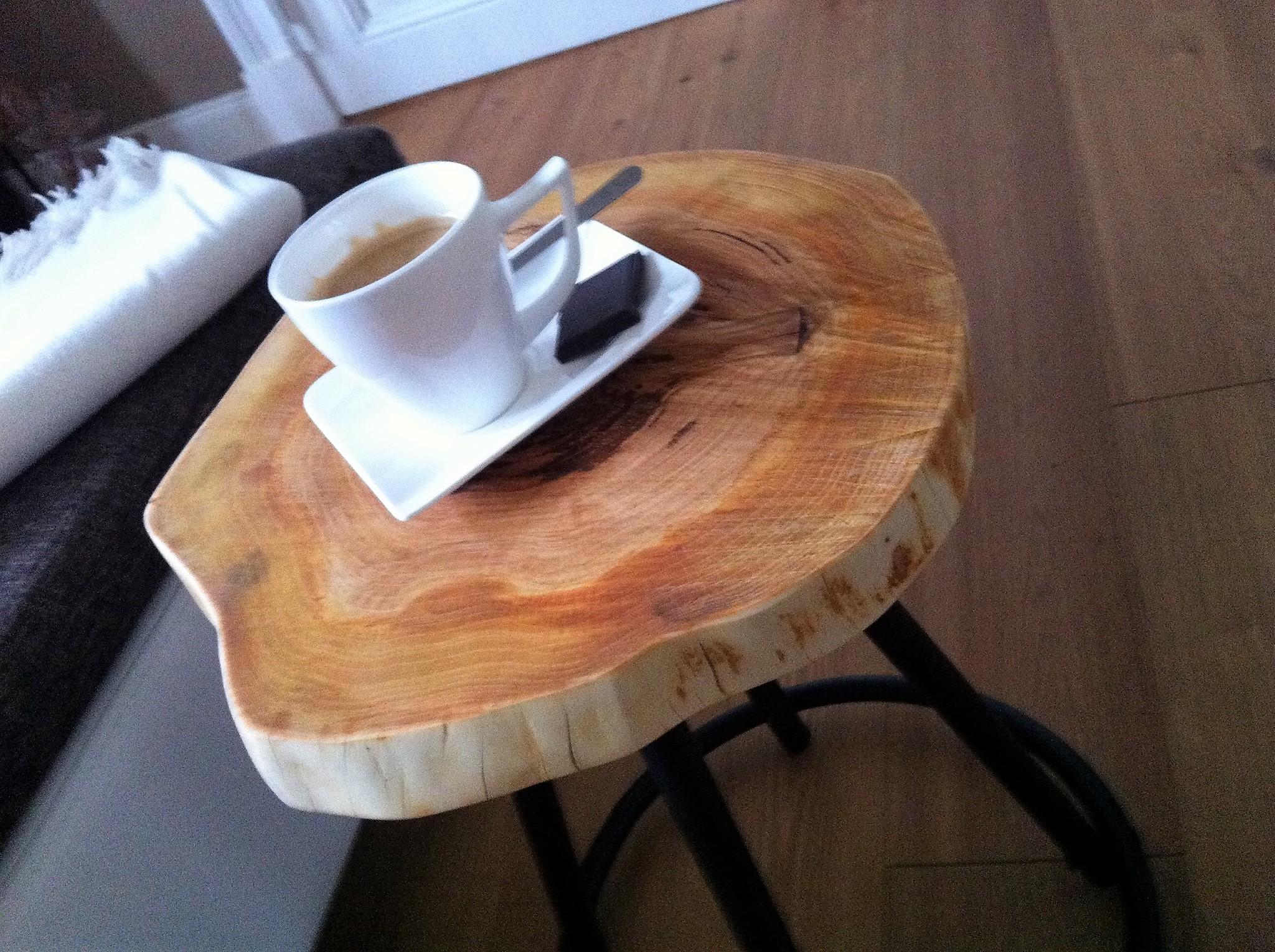 DIY Metallhocker mit Apfelholz (Small)