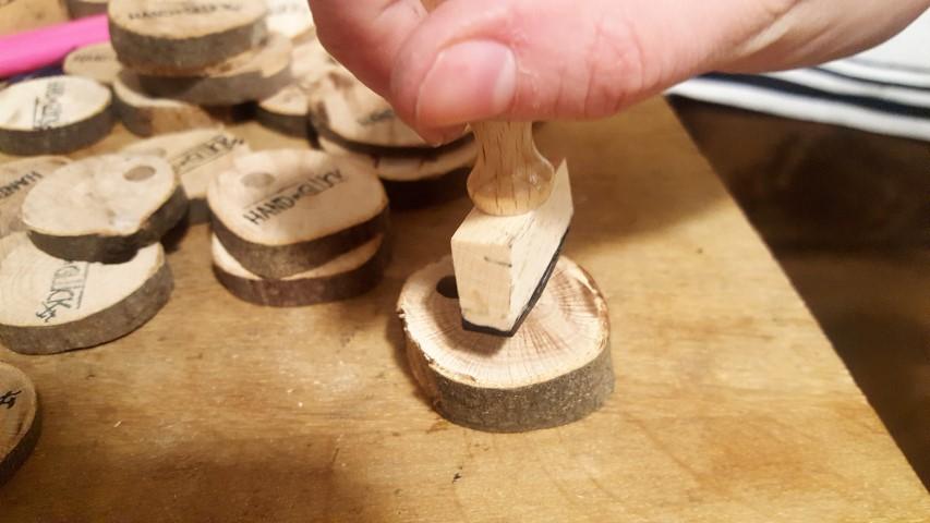 Schlüsselanhänger aus Holzplättchen bestempeln und selber machen (6) (Small)