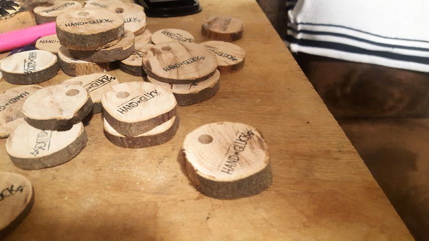 Schlüsselanhänger aus Holzplättchen bestempeln und selber machen (7) (Small)