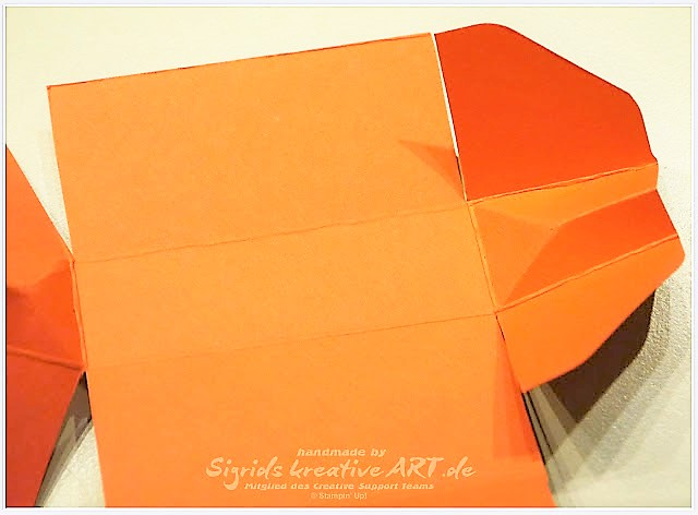 Kleine Handtasche zum Verschenken aus Papier bestempelt und gestanzt Hand im Glück