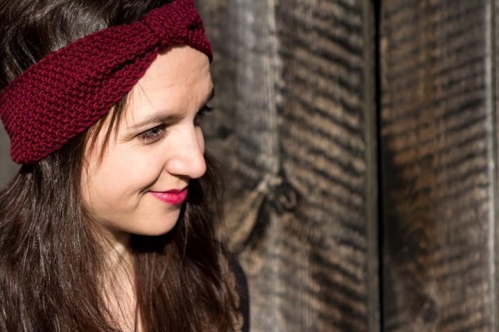 Stirnband-Perlmuster-stricken-einfach-Haarband-Hand im Glück Header