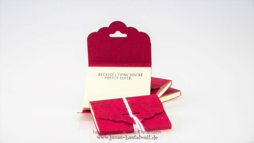 Kataloggoodie_Post It Verpackung neu gestalten mit Papier Hand im Glück