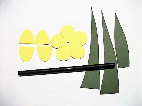 Tulpen aus Papier und Strohhalme Hand im Glück (2)