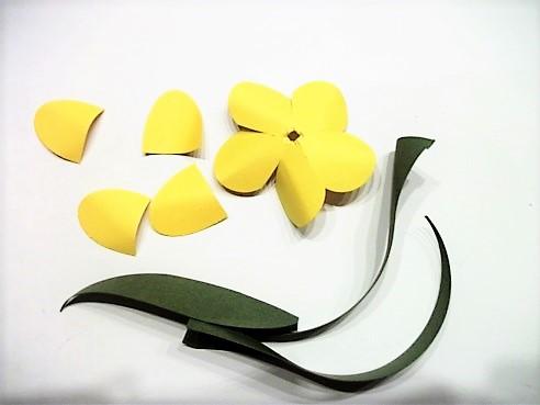 Tulpen aus Papier und Strohhalme Hand im Glück