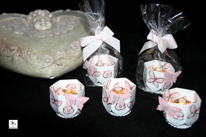garden-in-bloom-Rocher-kleine-Verpackung-Kirschblüte Hand im Glück