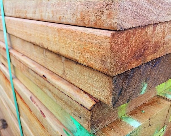 Material Holz Gartenmoebel selber bauen Hand im Glück