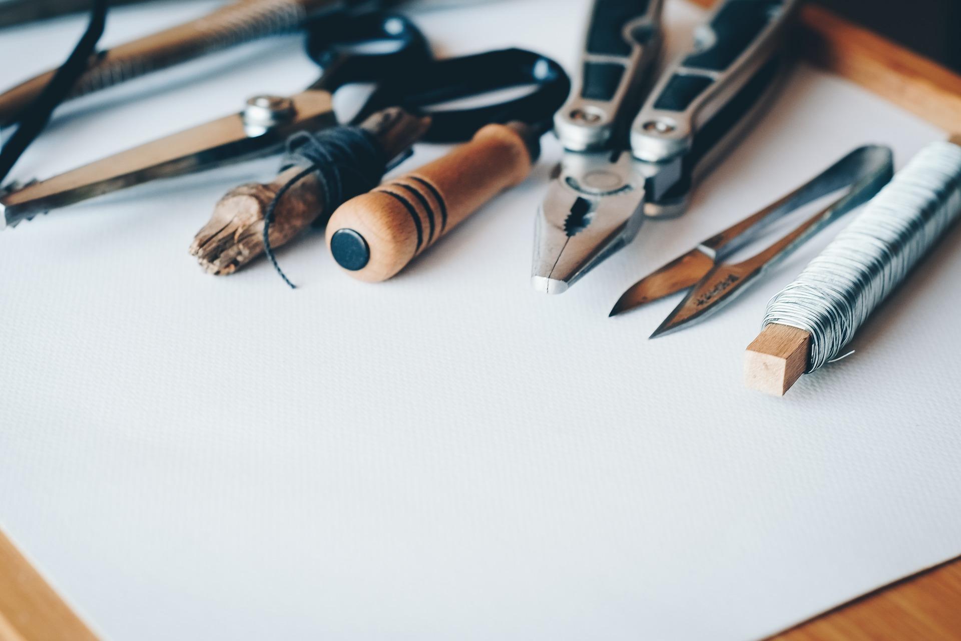 Werkzeuge_Titelbild_Hand-im-glueck.de