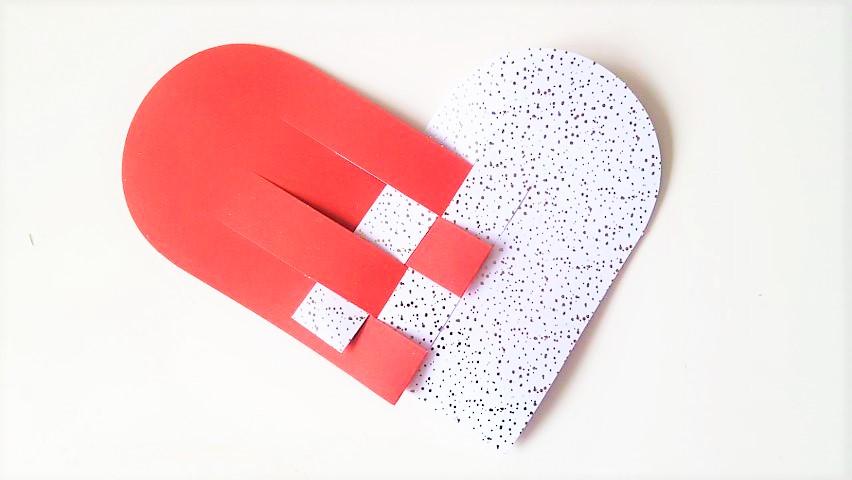 Herzanhänger selber basteln aus Papier Hand im Glück (11) (Small)