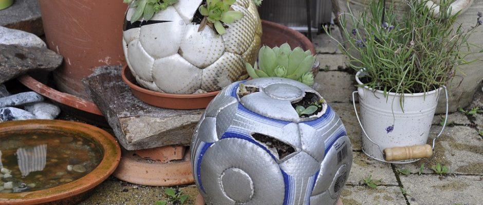 DIY Upcycling Blumentopf aus Fußball