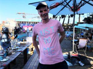 Hand im Glück mit Paillettenband T-shirt gestalten (23)