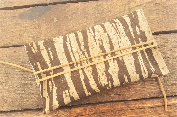 Tabakbeutel aus Korkstoff ohne Nähen