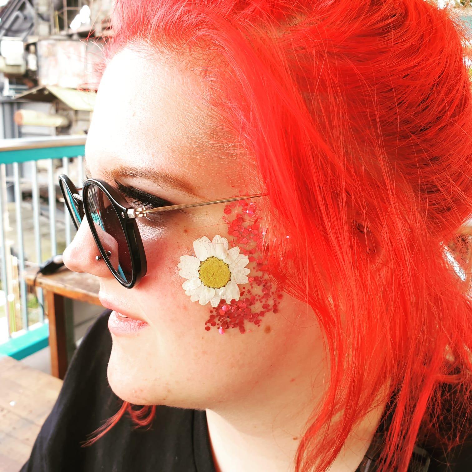 DIY Tattoos aus echten Blüten_Blumen_hand-im-glueck (9)