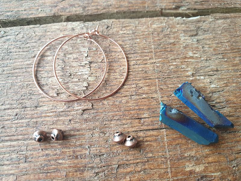 DIY Creolen-Ohrringe mit Stein selber machen_kristall Ohrringe_hand-im-glueck.de 2
