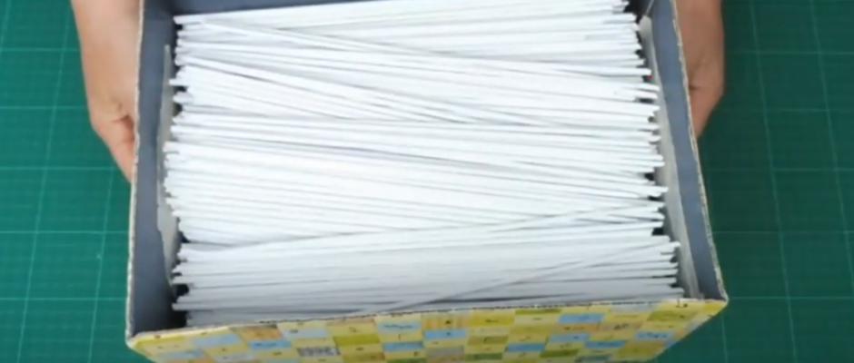 Papierroellchen machen aus altes Druckerpapier