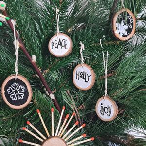 DIY Weihnachtsbaumschmuck mit Baumscheiben basteln