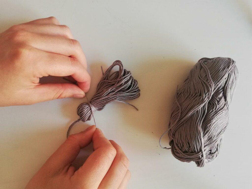 Quaste DIY leicht und schnell selber machen Hand im Glueck