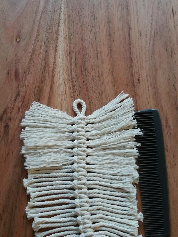 DIY kleine Makramee-Feder Hand im Glueck selber machen